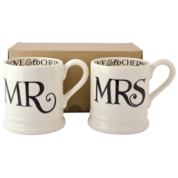 Black Toast Mr & Mrs 2 x Half Pint Mugs